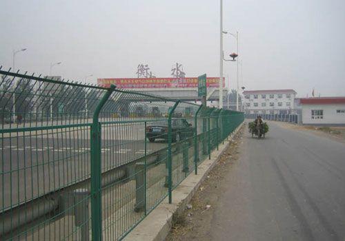 西宁高速公路护栏网--专业的护栏网厂家找川森网栏