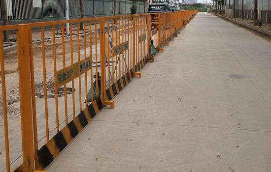 围栏护栏网报价有哪些特性?