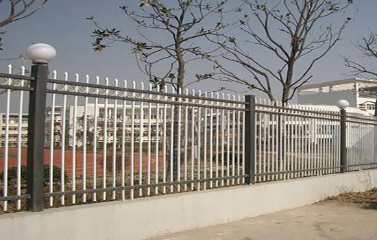 市政护栏网购买时需要考虑哪些问题?