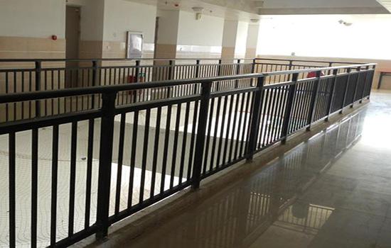 小区体育场围栏施工组织设计