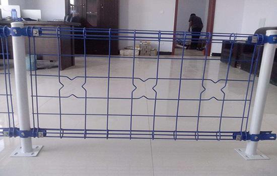 锌钢护栏网材料