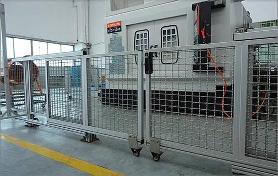 公路护栏网的功能与特点