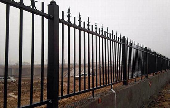 1米8人行道围栏一米需要多少混凝土