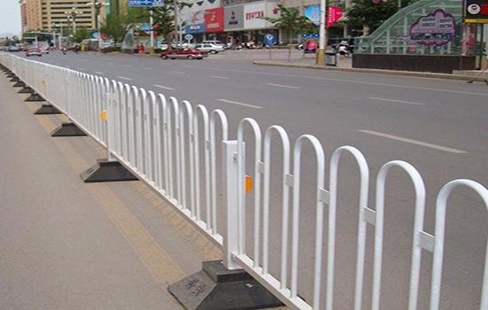 公路护栏网多少钱一个