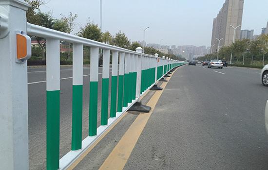 市政护栏网制作的工艺流程