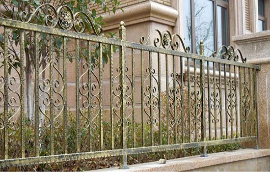 1米8建筑围栏一米需要多少混凝土