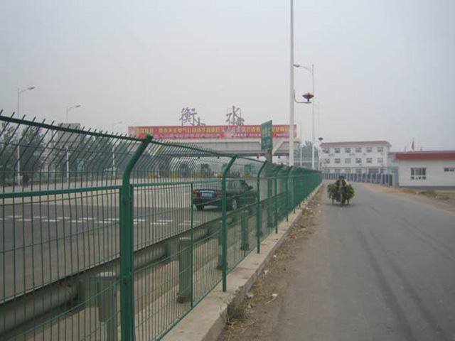高速路护栏网如何提高护栏使用寿命