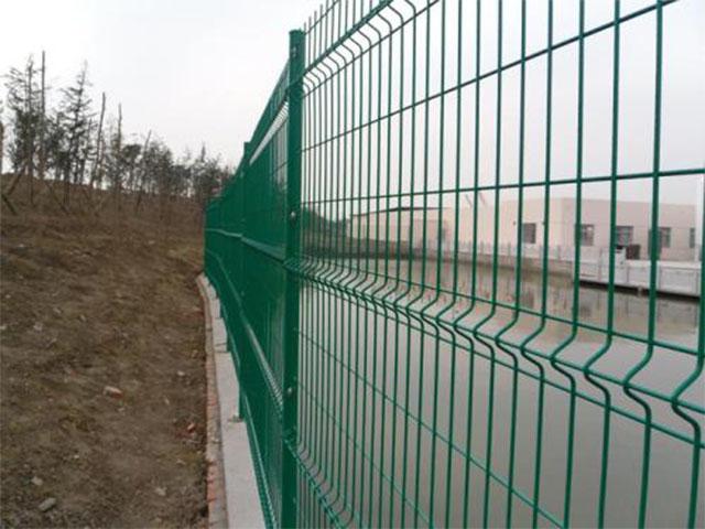 河道护栏网有哪些特性?